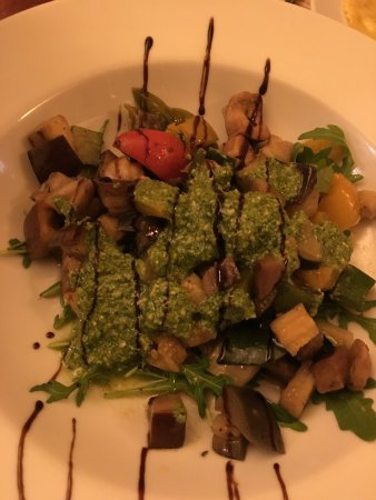 Don Camillo: Grilled vegetables with rocket pesto