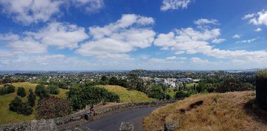 One Tree Hill (Maungakiekie): 20171219_110856_large.jpg