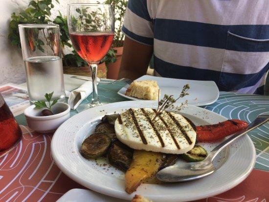 Labyrinth Wine Restaurant: Lunch