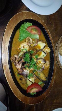fruites de mer poulpes moules et coques