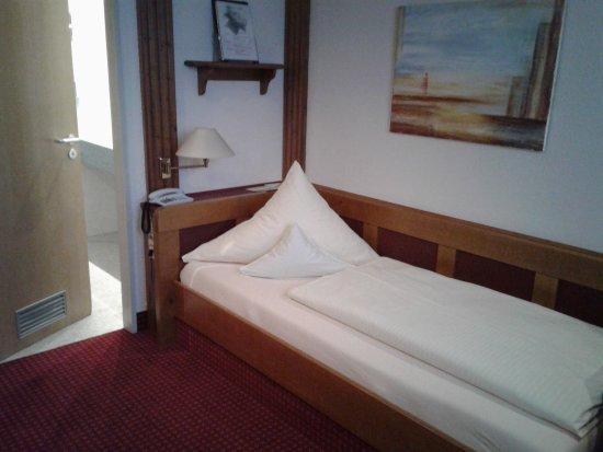 Augsburger Hof: single-bed room