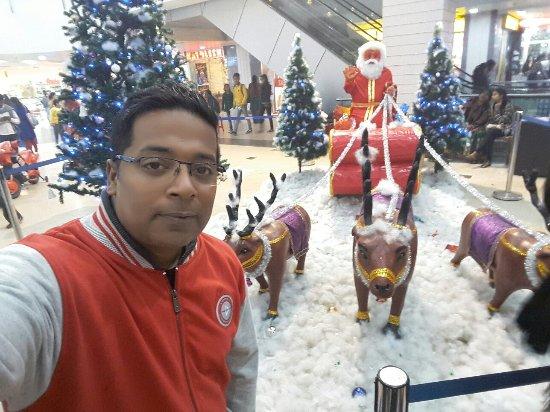 Galaxy Mall: 20171224_182438_large.jpg