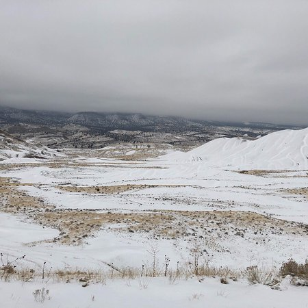 Mitchell, OR: I have been there on a snowy day, nothing much if a view as for the painted hills, but the hills
