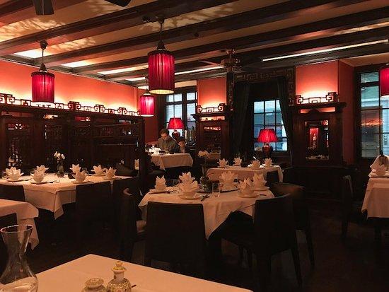 Li Tai Pe: View of lovely dining room.