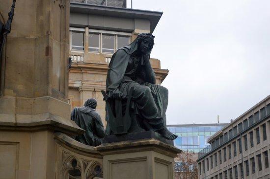 Gutenberg-Denkmal: Памятник книгопечатанию, Искусство