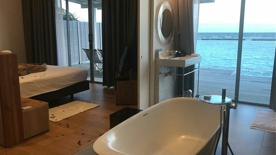 Kuramathi Island Resort: IMG-20171227-WA0042_large.jpg