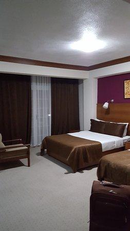 LA Hotel & Resort Photo