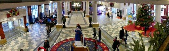 Magny-le-Hongre, Frankrike: Hall d'entrée avec Réception
