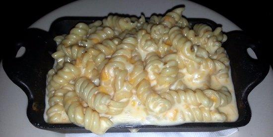 RackHouse Tavern: mac & cheese