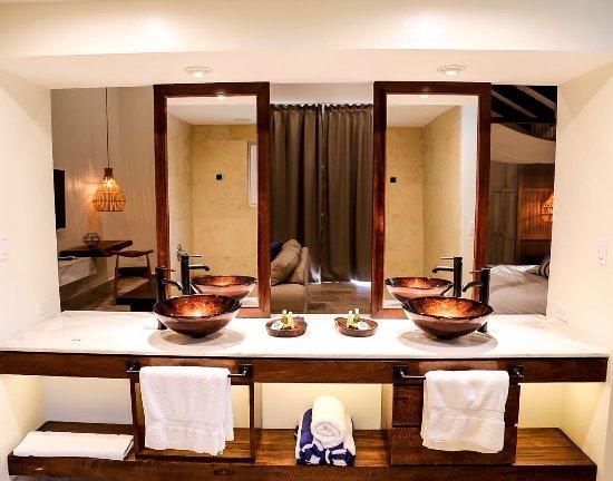 stand up paddle board picture of jaguar reef lodge spa. Black Bedroom Furniture Sets. Home Design Ideas