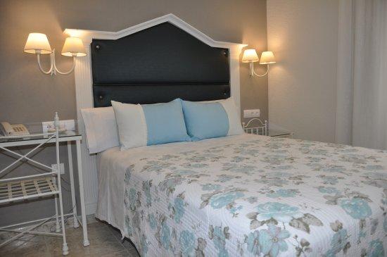 Matrimonio Bed Cover : Habitación cama de matrimonio picture of hotel selu cordoba