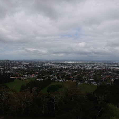 One Tree Hill (Maungakiekie): Awesome view! Best place to see the entire Auckland!