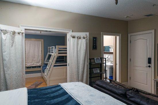 Naomi's Inn Bed & Breakfast: Room Layout in Kinda Cape