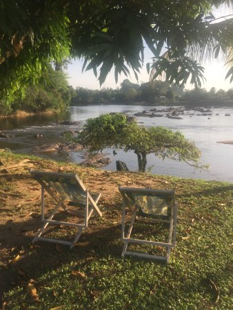 Bottopassi, Suriname: River view is the magic key word at Hotel Botopasi. stunning!