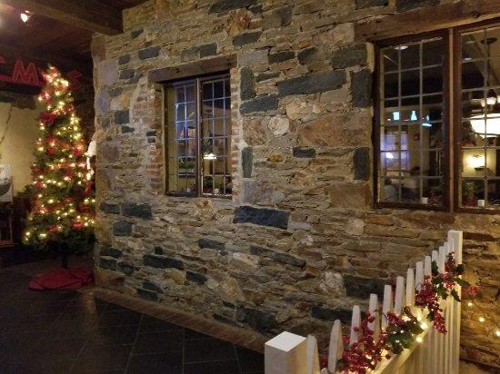 Ron's Original Bar & Grille: Entry