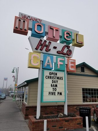 Hi-Lo Cafe: Exterior Sign