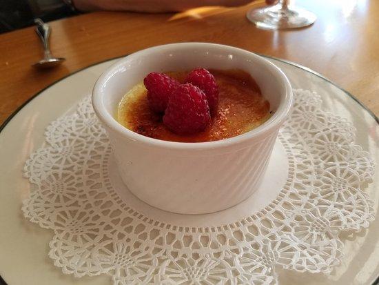 Roche Harbor, Ουάσιγκτον: Creme Brulee dessert.
