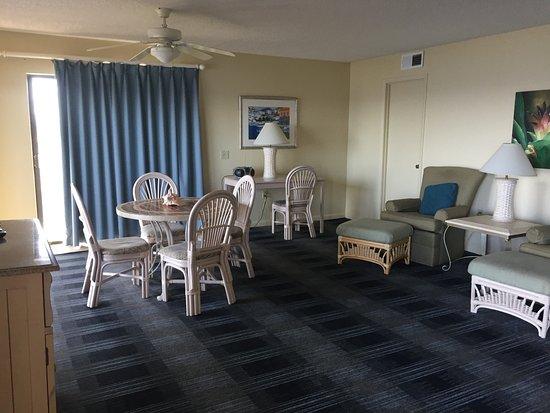 Las Olas Beach Club: extended living room