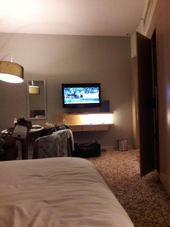 Novotel Suites Dubai Mall of the Emirates : TA_IMG_20171227_232548_large.jpg
