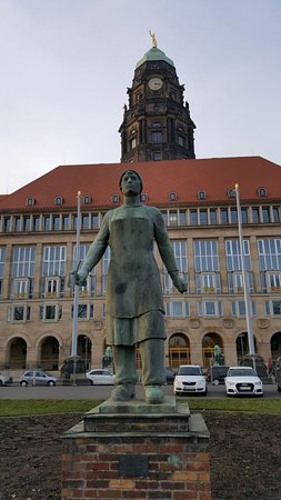 Denkmal Truemmerfrau