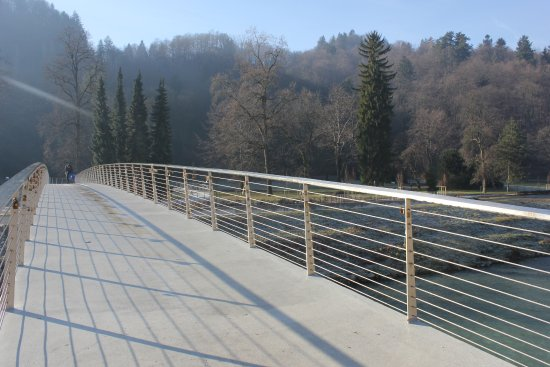 Celje, Σλοβενία: going to the park from old town