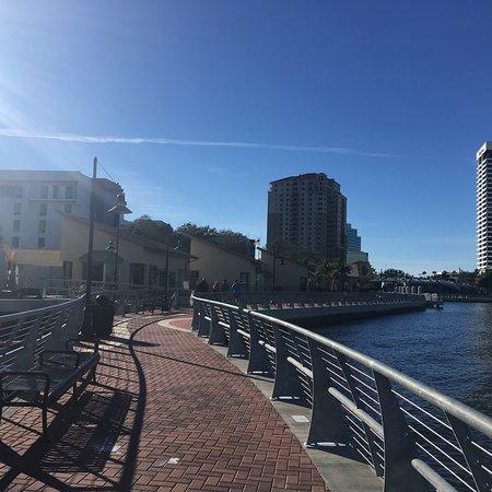 Hotels Near Jacksonville Riverwalk