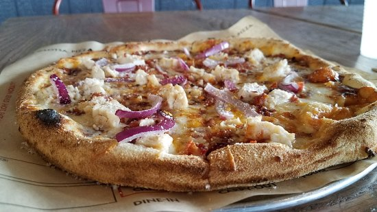 College Park, MD: BBQ chicken pizza