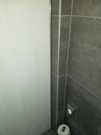 Mercure Vienna First: Tür Badezimmer.