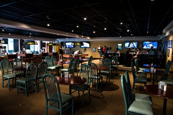 Lakeville, PA: Spooner's Sports Bar & Grill