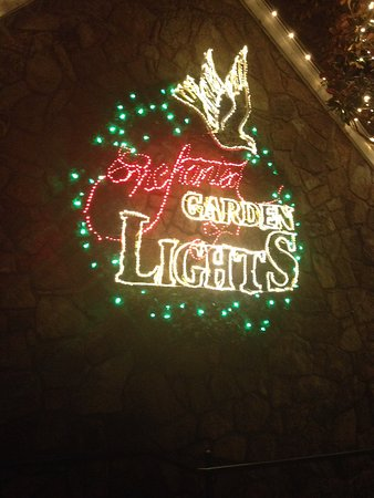 Rock City Gardens: Enchanted Garden Of Lights, Rock City