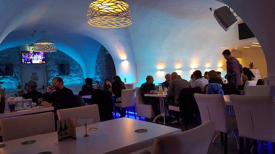 Vistas generales de la sala principal del restaurante