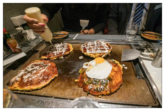 Teppan In The Middle Of Table Seating Keeps The Okonomiyaki Hot - Teppan table