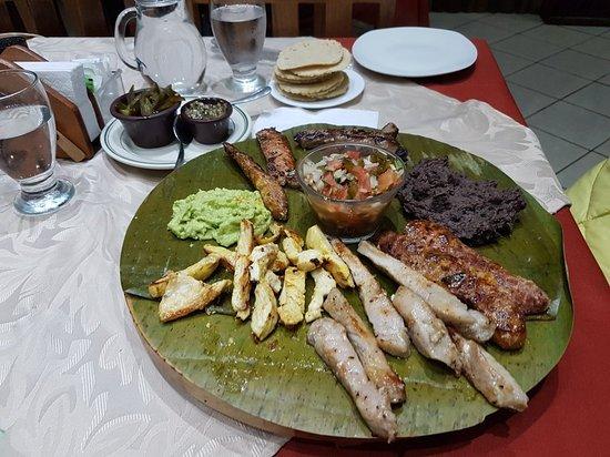Poasito, Costa Rica: 20171227_174755_large.jpg
