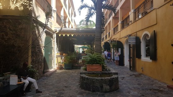 Amalia Cafe: Pasaje