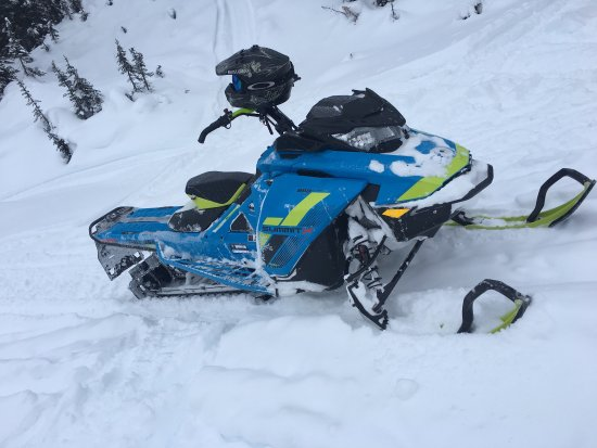 Rocky Mountain Riders Snowmobile Tours and Rentals: photo1.jpg