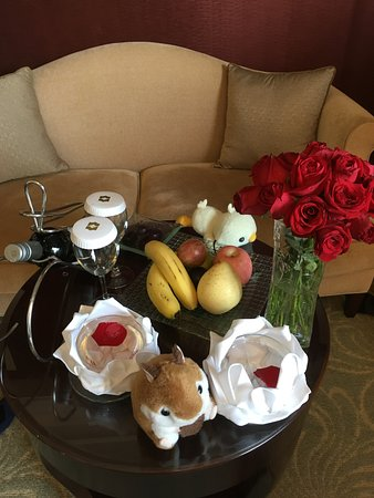 Shangri-La Hotel Guilin : Prepared by hotel staff to commemorate our anniversary