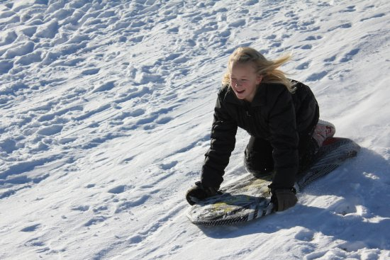 Ashley Inn: Bring your board, free sledding at the Golf Course