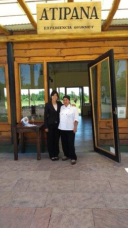 Chef Miriam Chavez Junato a Yanina, su hija y manager de Atipana.