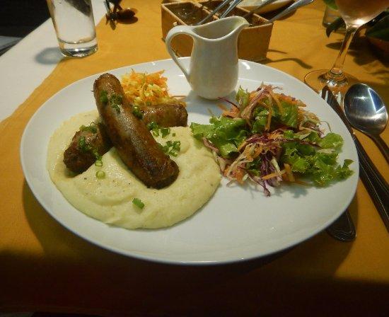Georges Rhumerie French Restaurant: Saucisse Purée