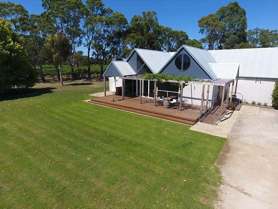 Coonawarra, Australia: Whistle Post Cellar door