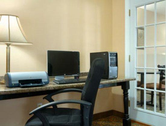 Baymont Inn & Suites Houma: Exterior
