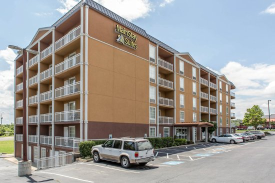 MainStay Suites: Exterior