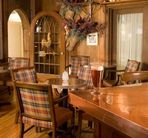 Holderness, New Hampshire: Bar/Lounge