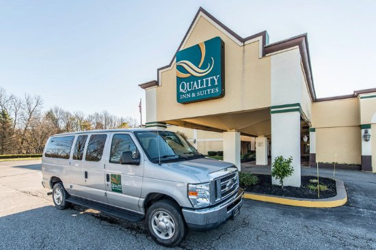 Quality Inn & Suites Conference Center: Exterior