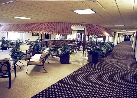 Eisenhower Hotel & Conference Center: Restaurant