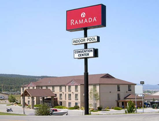 Ramada Summerset Rapid City West: Exterior