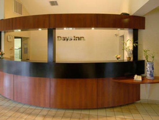 Days Inn Portland/Gresham : Exterior