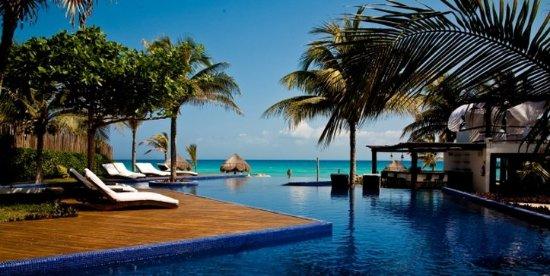 Le Reve Hotel & Spa : Pool