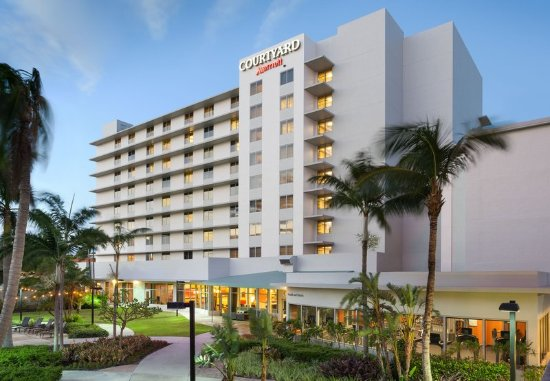 Courtyard by Marriott Miami Airport Hotel