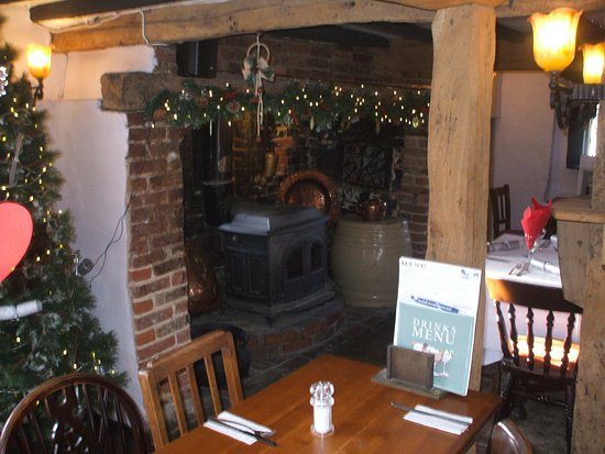 Holywell, UK: festive fire place
